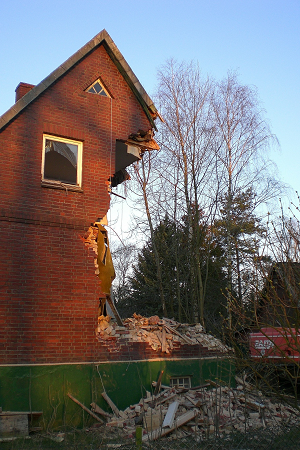 brick_house_wreckage_300x450
