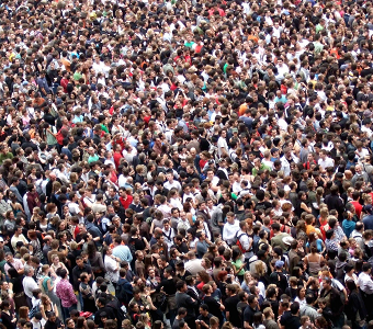 large_crowd_340x300
