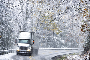 tractor_trailer_snow_headon_315x210