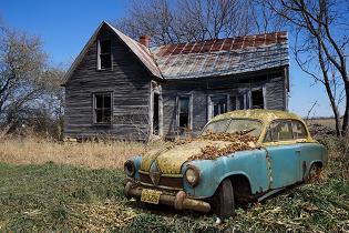 dilapidated_house_car_315x210