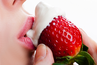 sexy_mouth_strawberry_cream_315x210